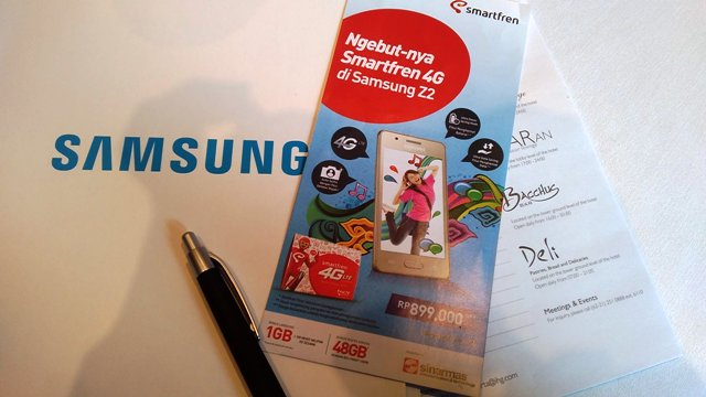 brosur Samsung Z2