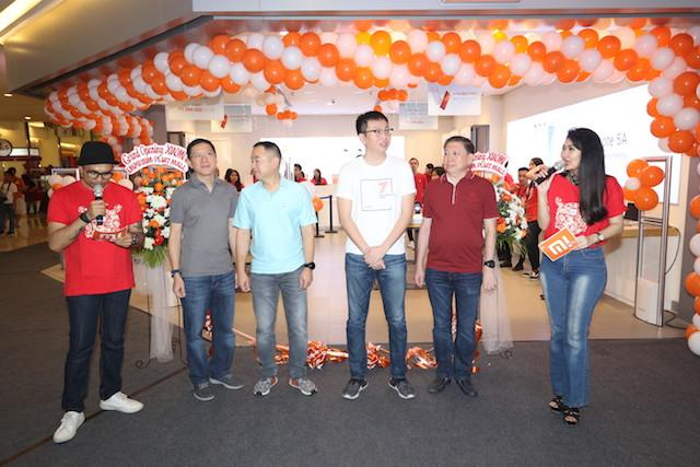Ceremoni pembukaan Mi STore Emporium Pluit Mall