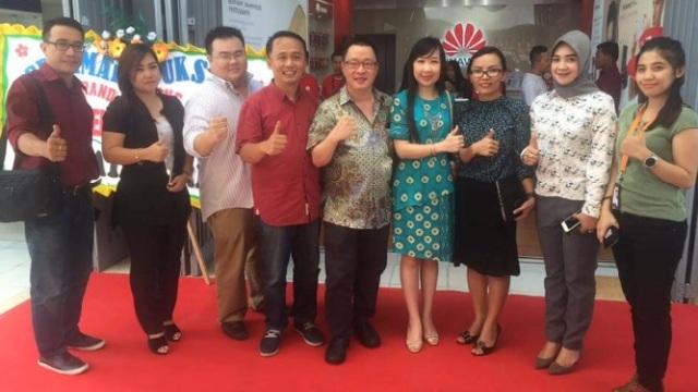 Huawei Brandshop opening