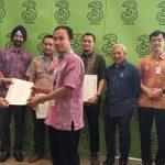 Teknisi ahli Tri Indonesia ikut sertifikasi