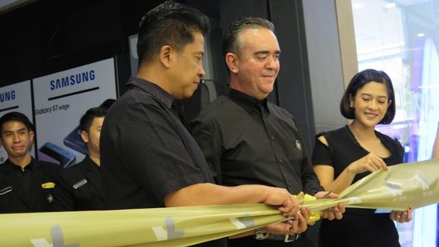 Peresmian gerai Prioritas Center kedua di Gandaria CIty Jakarta