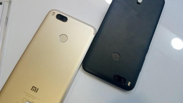 Xiaomi Mi A1 warna Gold dan Black